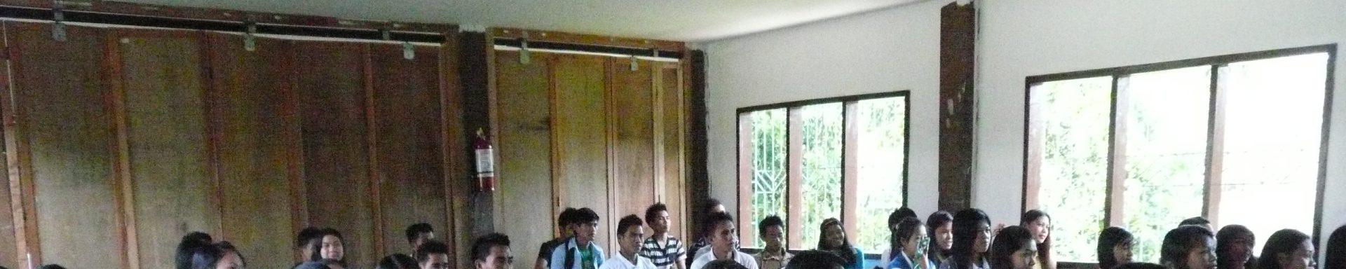 Klaslokaal voor meisjes in de Filipijnen