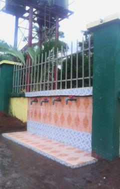 Zusje-Nigeria-drinkwater