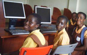 Uitbreiding computerschool in Ghana