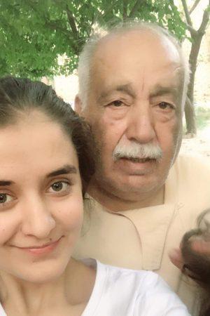 Tai Es met opa Fayez