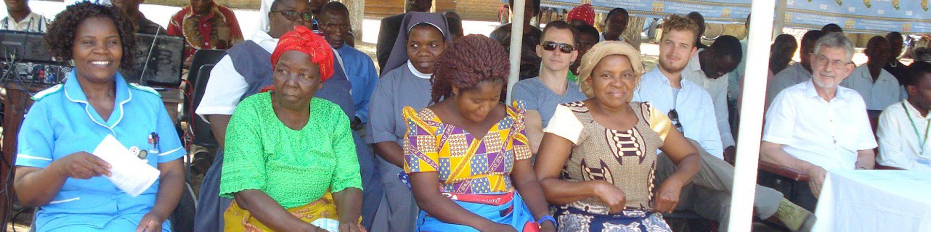 Mensen uit Malawi op bijeenkomst.