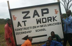 Mannen aan het werk in Zambia.