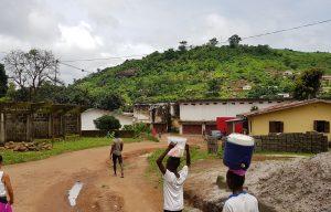 Een landschap in Sierra Leone.